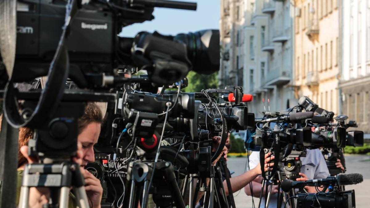 Заблоковані канали Козака «не можна вважати справжніми ЗМІ» – заява громадських організацій
